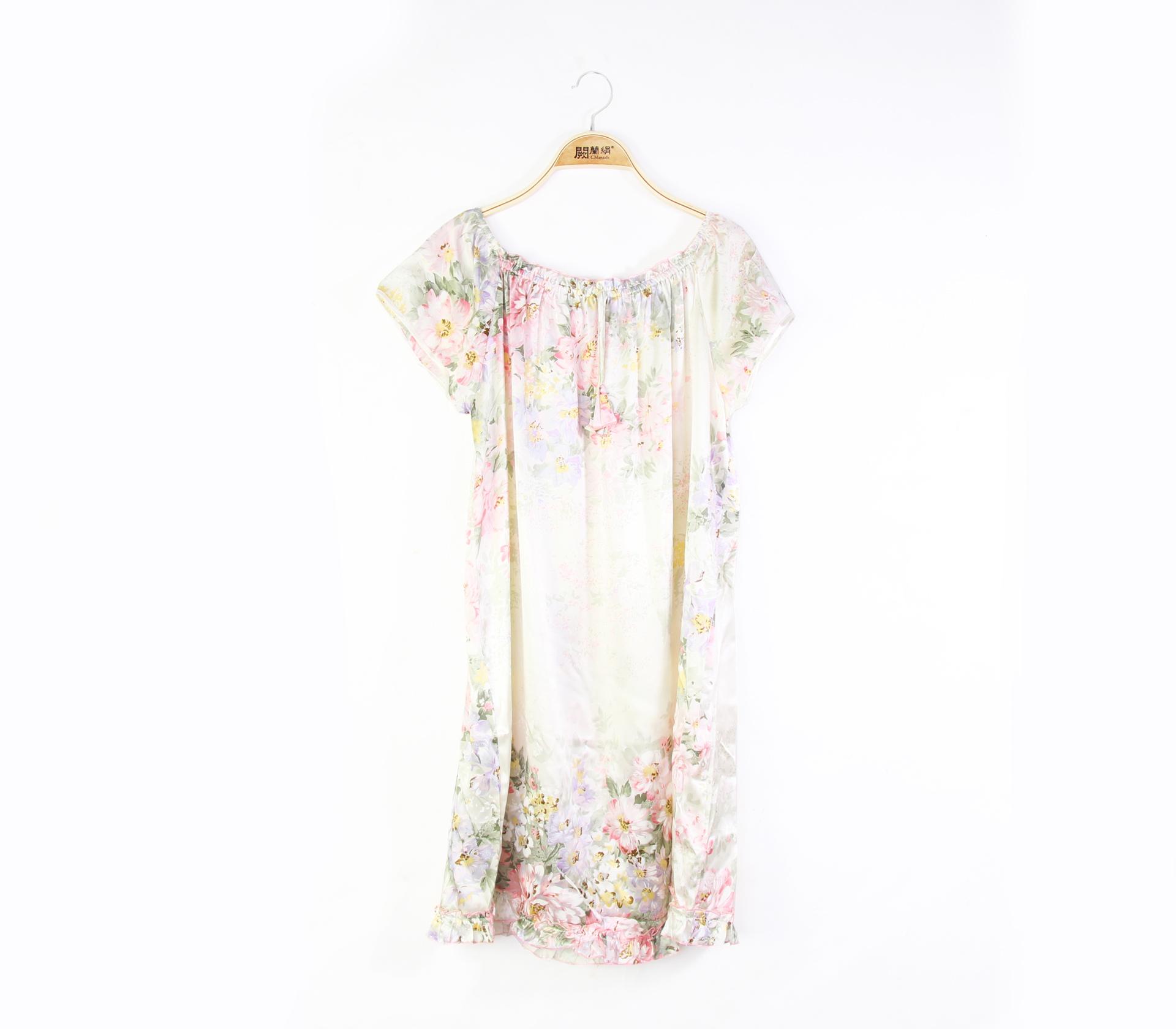 闕蘭絹繽紛花朵親膚透氣100%蠶絲連身睡衣