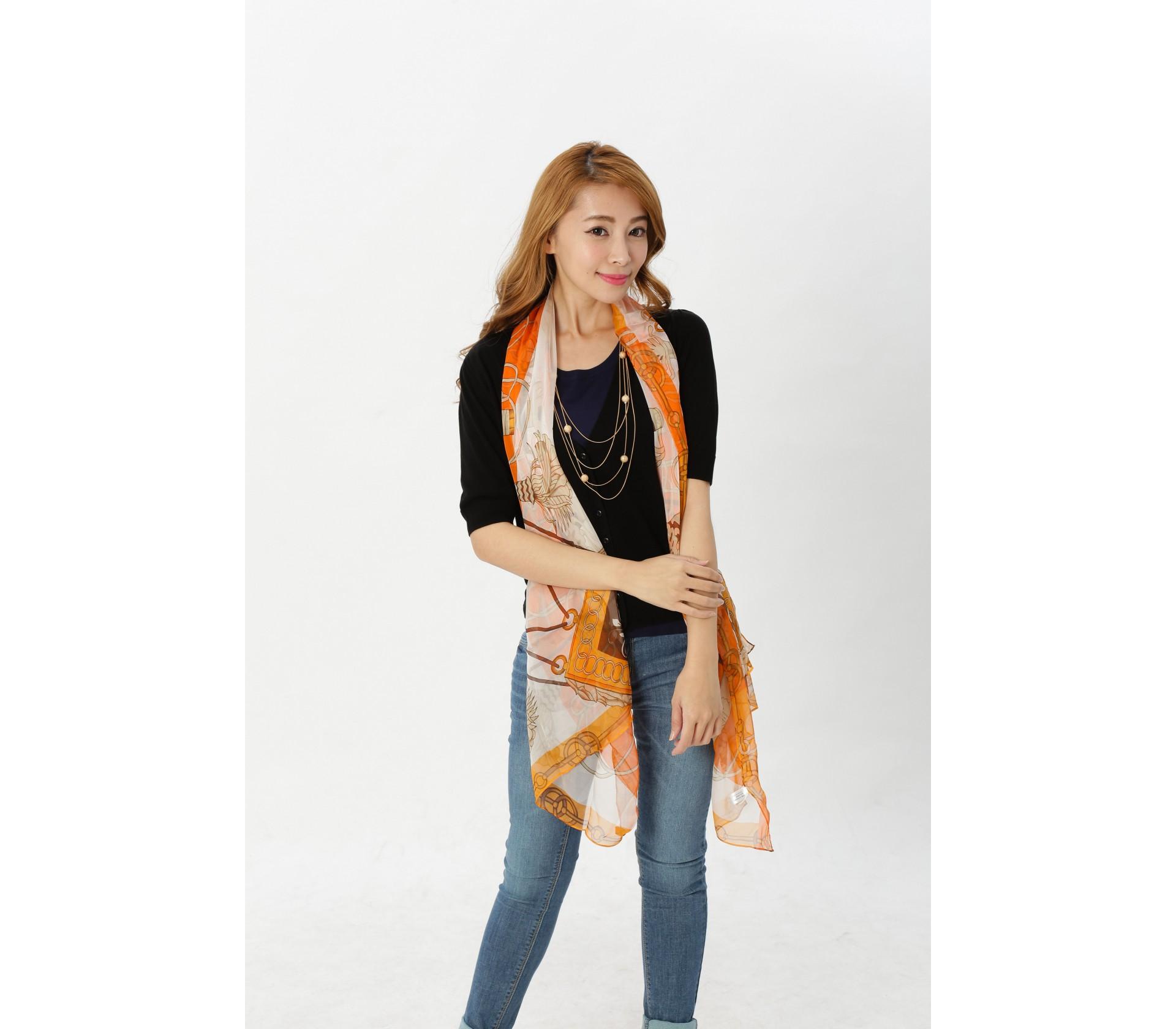 闕蘭絹品味風格鎖鏈款100%蠶絲絲巾-1002