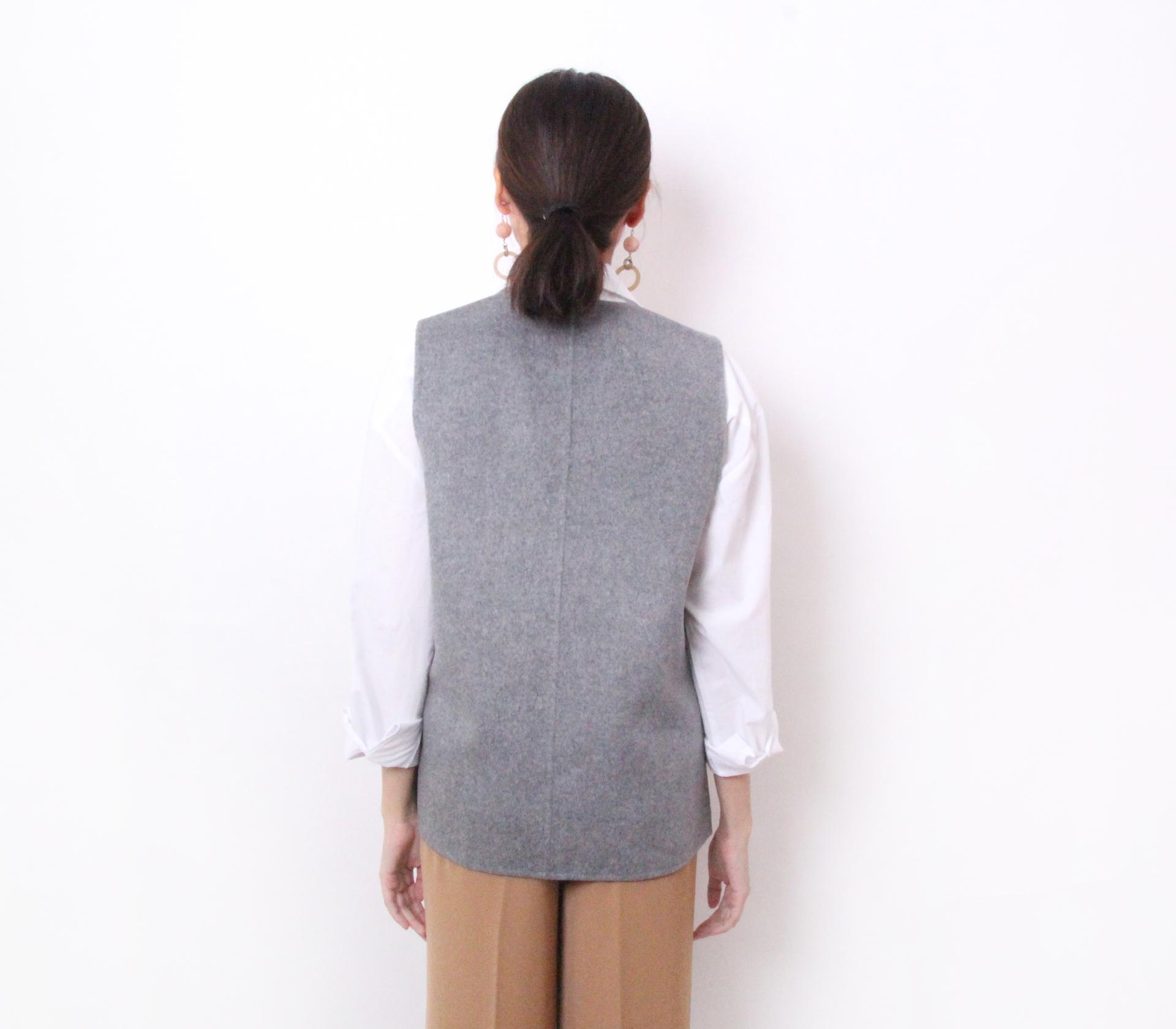 闕蘭絹簡約版短版羊毛背心-灰色-291-1