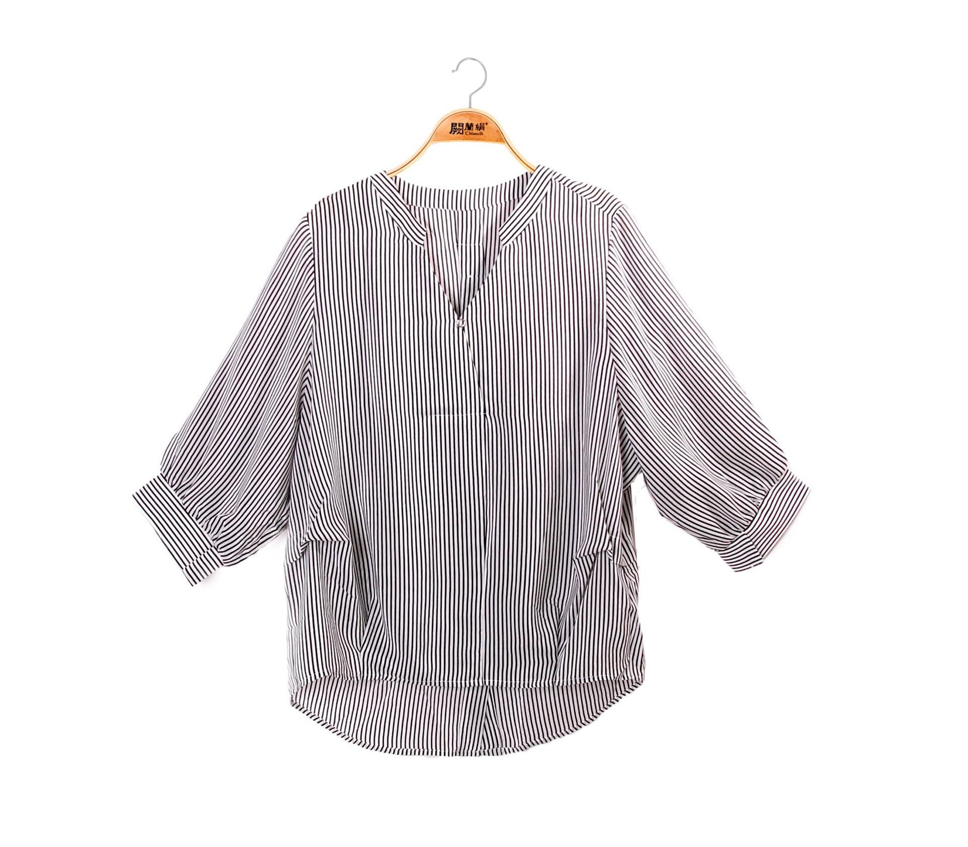 經典款V領直紋100%蠶絲上衣 – 黑-6405