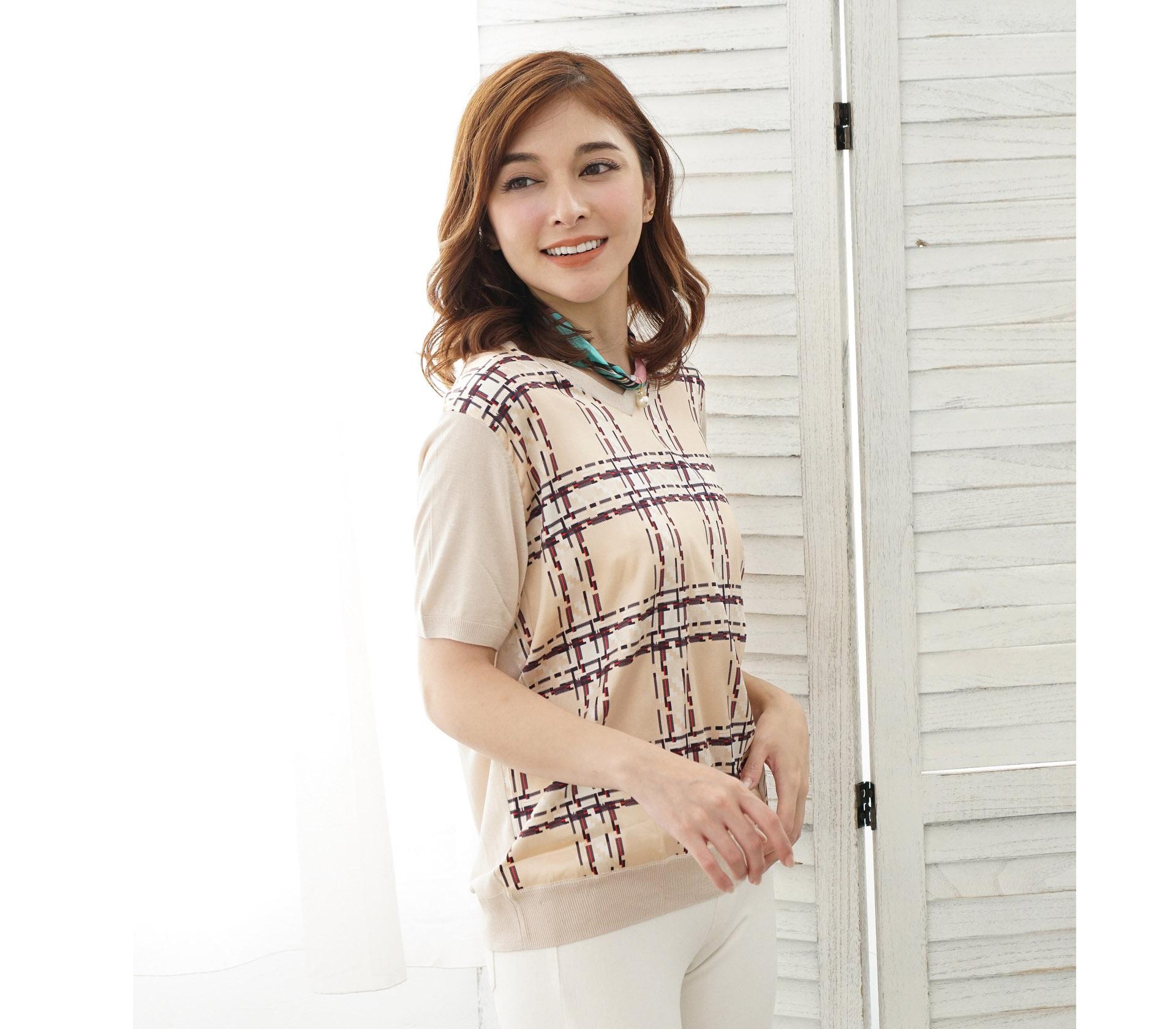 V領拼接滑布格紋米色蠶絲針織短袖上衣 – 米 -6774