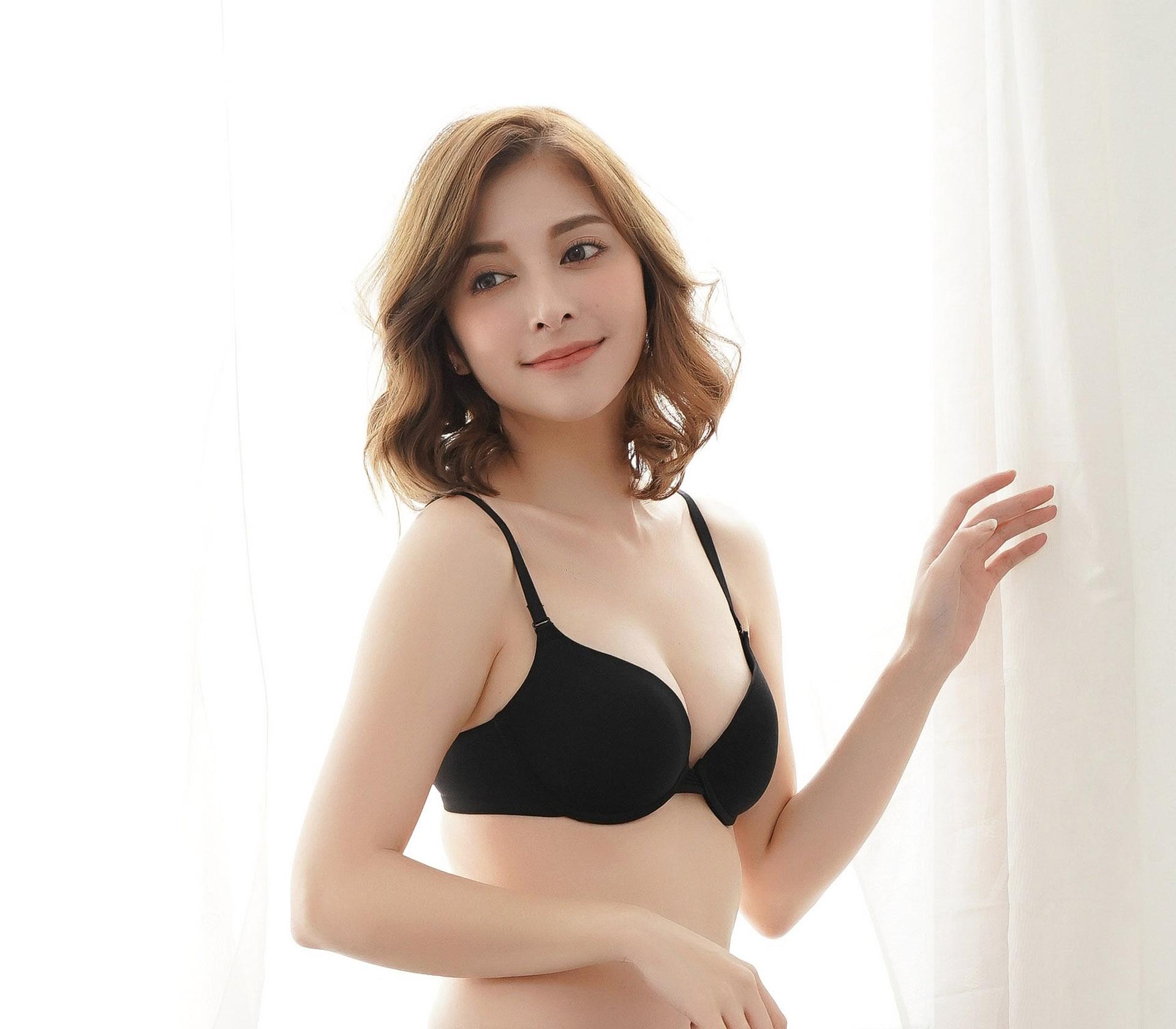 闕蘭絹簡約素雅黑色蠶絲內衣- BR02