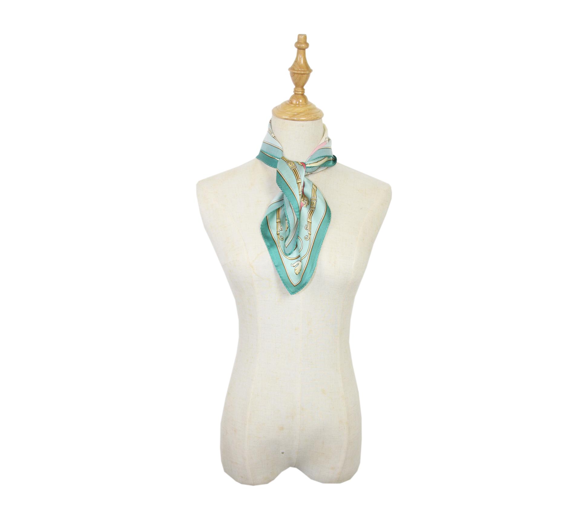 闕蘭絹宮廷馬車100%蠶絲方巾(53*53)- 綠色 - S24-5